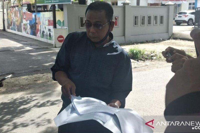 Warga laporkan Kasatpol PP Padang ke Bawaslu Sumbar dugaan langgar netralitas ASN