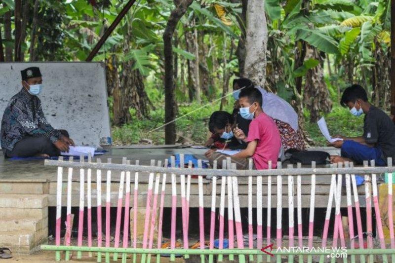 Kegiatan Sekolah Alam Selama Pandemi  COVID-19