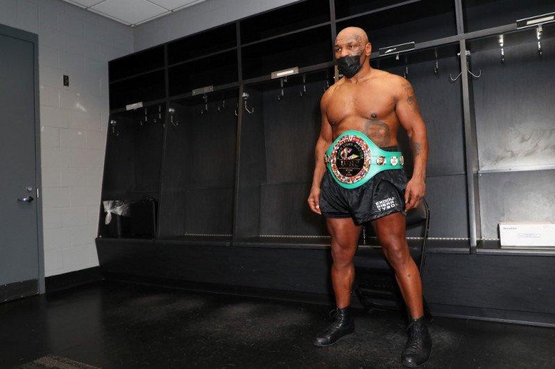 Mike Tyson tolak 25 juta dolar untuk tarung melawan Holyfield
