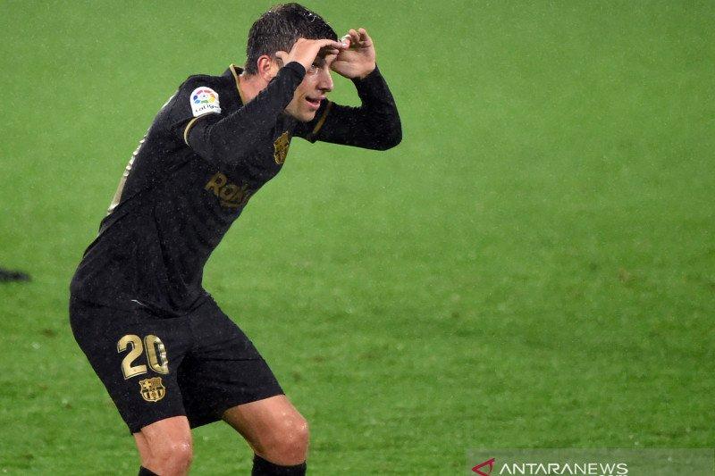 Pemain Barcelona Sergi Roberto terinfeksi COVID-19