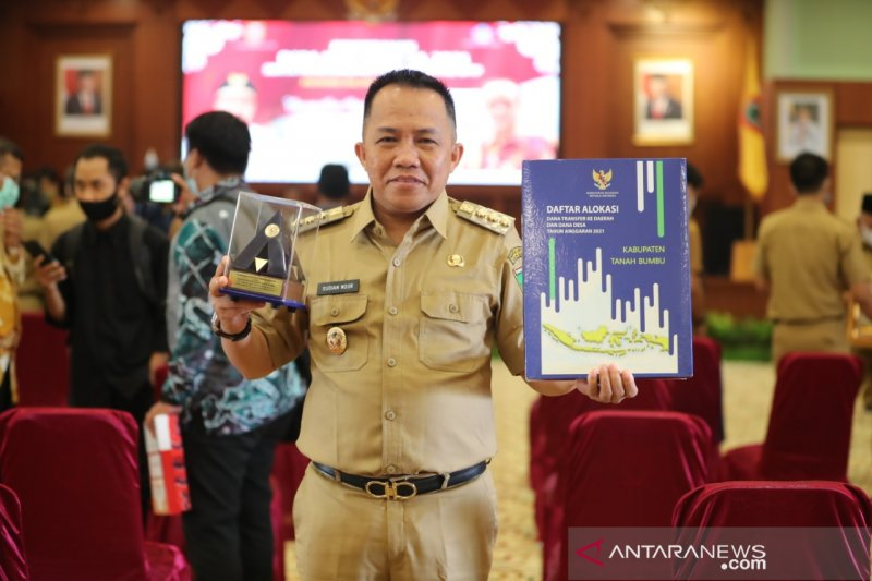 Tanah Bumbu obtains top audit grade for the 7th times