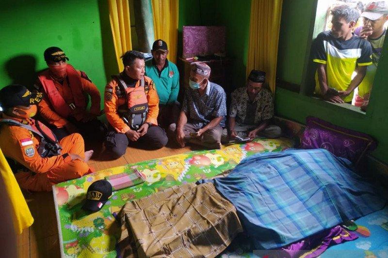 Basarnas Kendari evakuasi jenazah nelayan hilang tiga hari