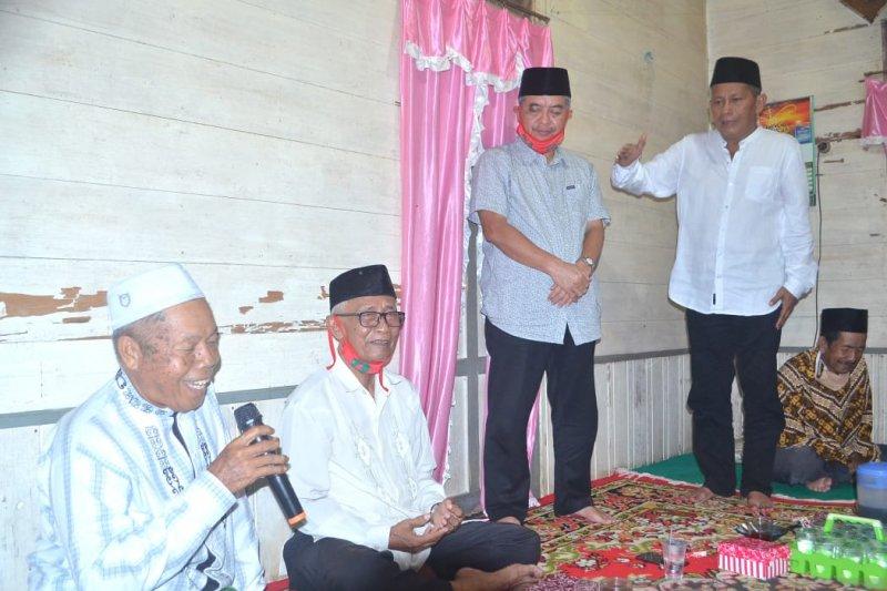 Cabup HST Tampil akan bantu penyelesaian akta notaris masjid