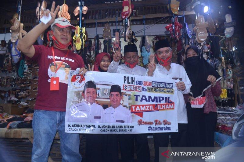 """Paslon 2 bupati-wabup HST """"dulang"""" dukungan di Pasar Keramat Barabai"""