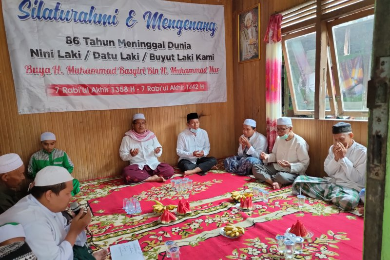 "Paslon ""Tampil"" hadiri haul 86 tuan guru Muhammad Basyiri"