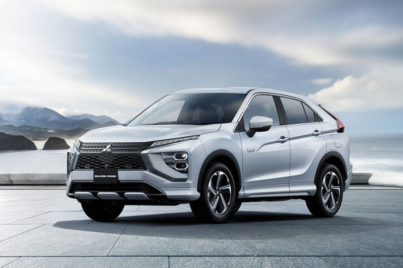 Mitsubishi merilis Eclipse Cross PHEV dan bensin yang didesain ulang
