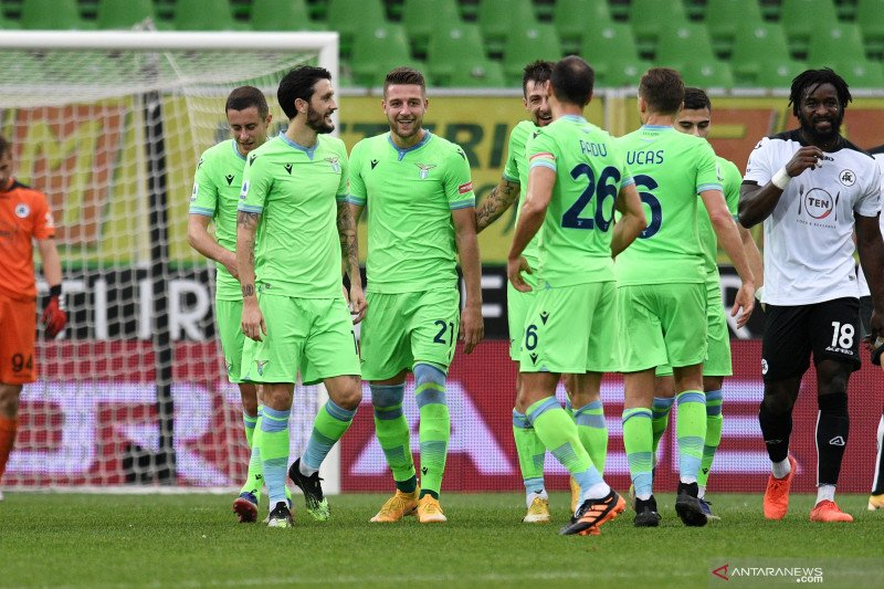 Lazio tundukkan Spezia 2-1