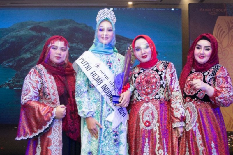 Auliya Fajriyati raih gelar Putri Hijab Indonesia 2020 di Kota Bandung