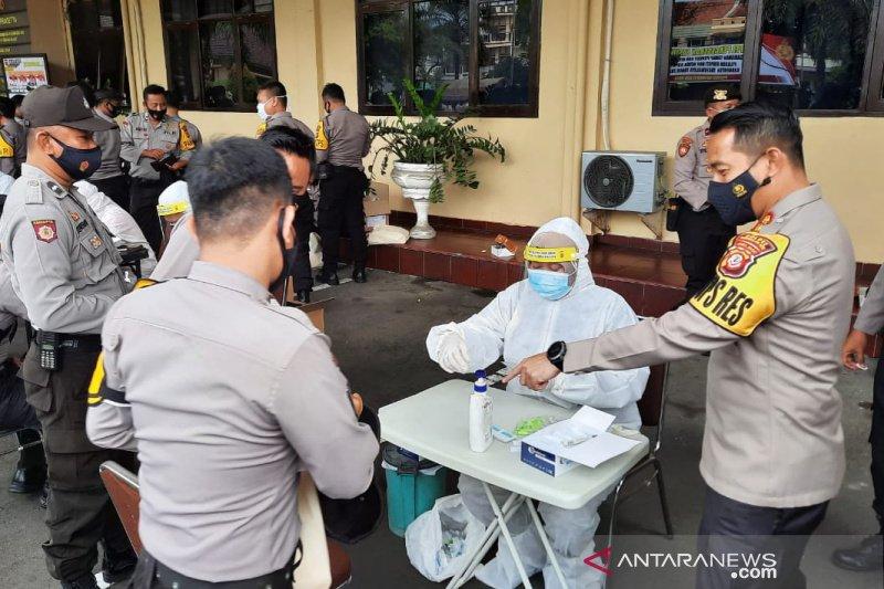 Polisi dan TNI jalani tes cepat sebelum amankan Pilkada Tasikmalaya