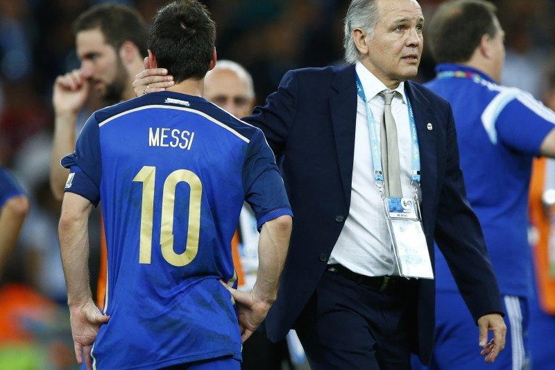 Eks pelatih Argentina Sabella tutup usia, Messi berikan penghormatan