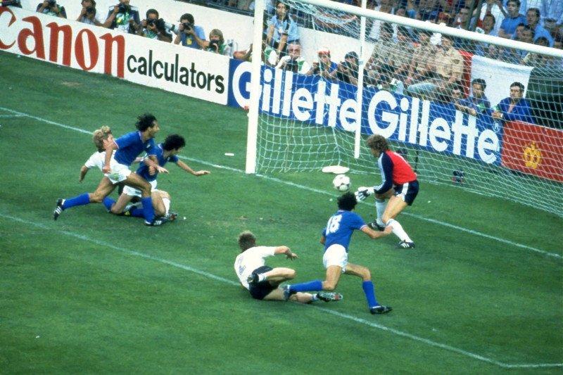 Pahlawan Italia di Piala Dunia 1982 Paolo Rossi tutup usia