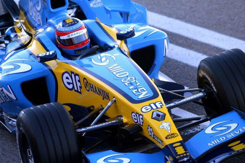 Fernando Alonso bakal bernostalgia dengan mobil juara Renault R25 di Abu Dhabi