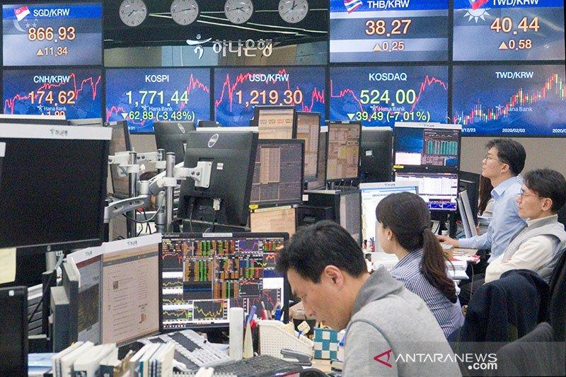 Saham Korsel  jatuh karena aksi jual investor asing