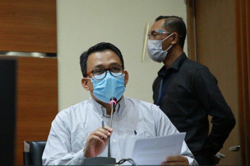 KPK amankan berbagai dokumen dari dua lokasi terkait proyek Dinas PUPR Banjar