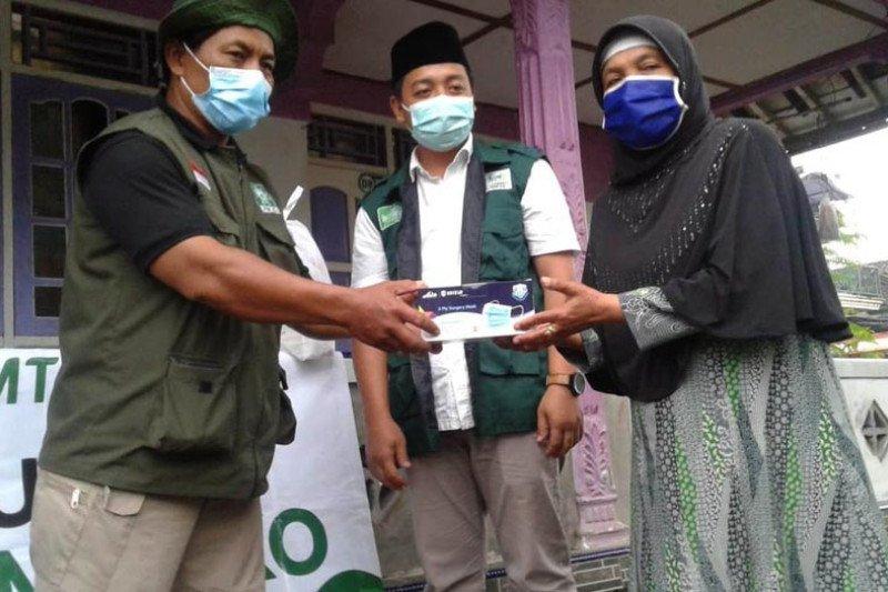 GP Ansor Kab. Magelang salurkan 2.000 masker kepada warga Merapi