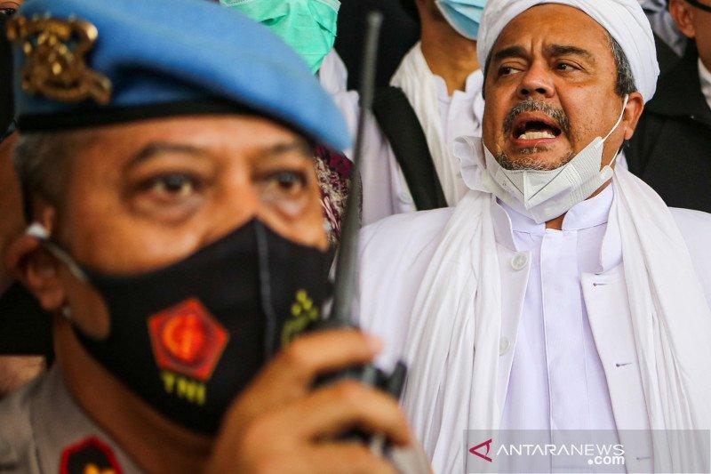 Penyidik tahan Rizieq Shihab di Polda Metro Jaya