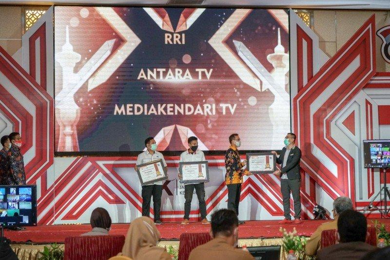 """Pewarta ANTARA TV dapat penghargaan """"Dilan Award"""" dari OJK"""