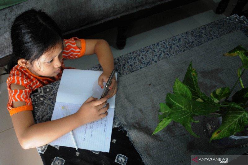 Mendikbud: Bantuan akses internet disalurkan ke siswa dan pendidik mulai 11 Maret