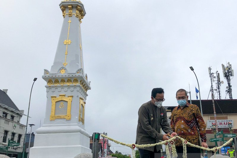 Simpang Tugu Yogyakarta bebas dari kabel udara