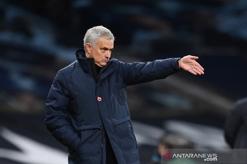 Musim depan Jose Mourinho latih AS Roma gantikan Paulo Fonseca