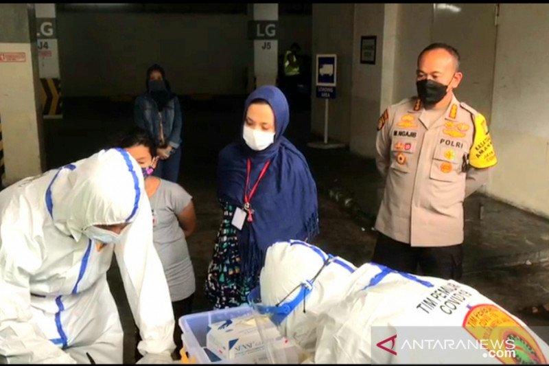 Total kasus COVID-19 di Indonesia tambah 6.347  kini jadi 678.125 kasus
