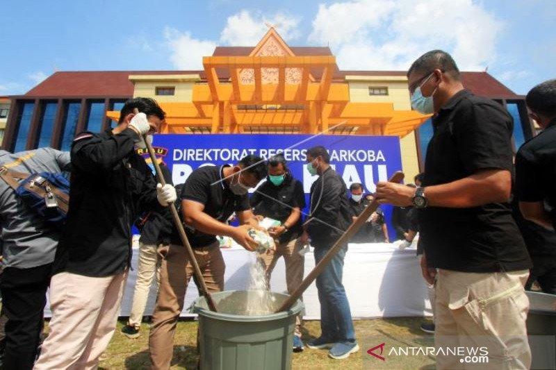 Polda Riau Musnahkan Barang Bukti Narkotika