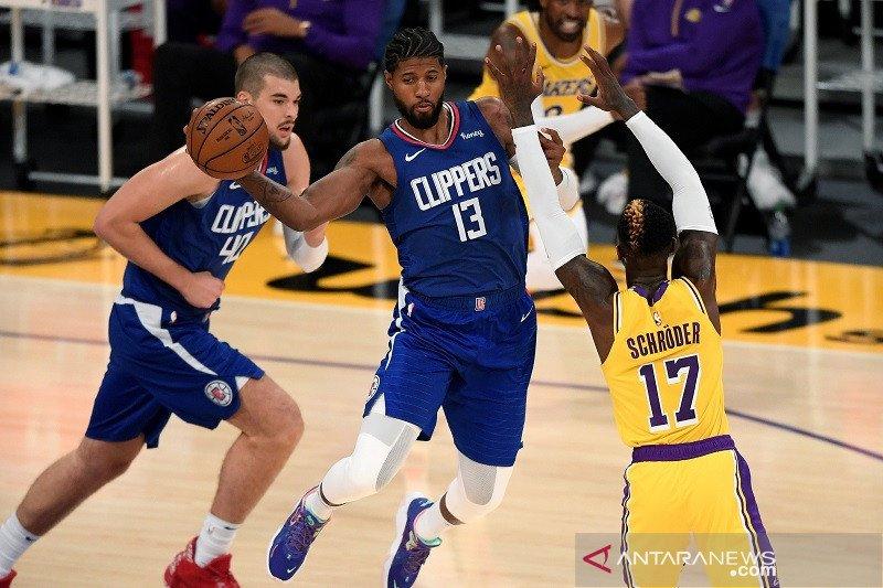 Los Lakers sang juara bertahan buka musim dengan kekalahan