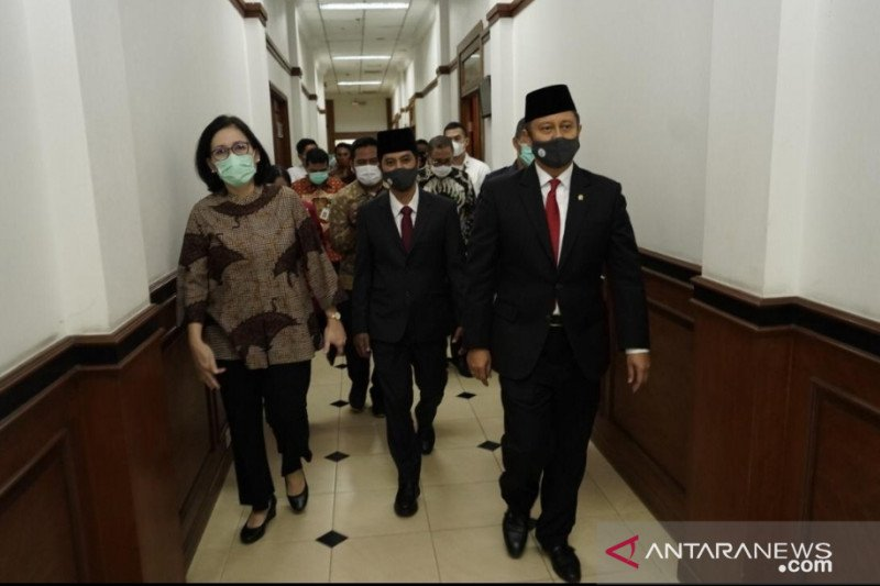Presiden Jokowi lantik Menkes dan Wamenkes