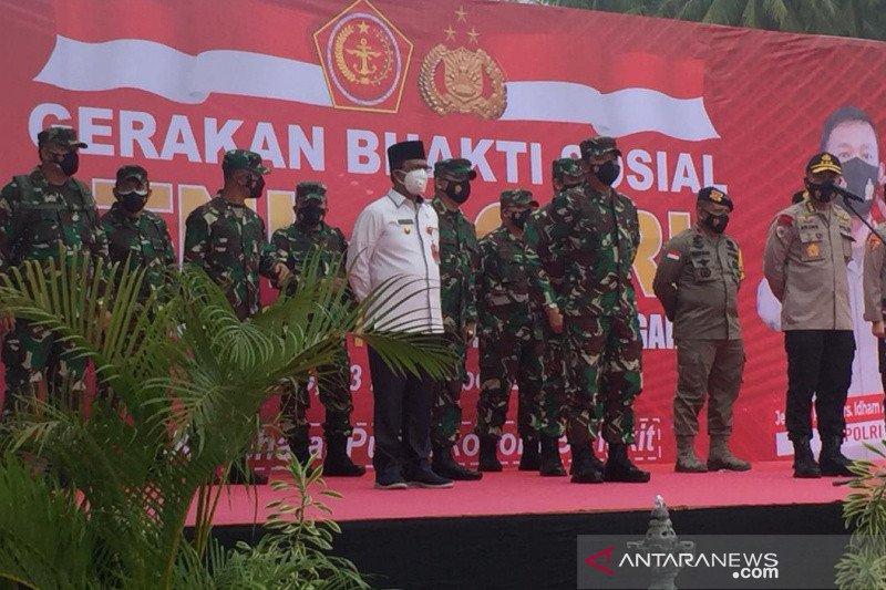 Panglima TNI serahkan bantuan COVID-19 kepada warga Tokorondo  Poso