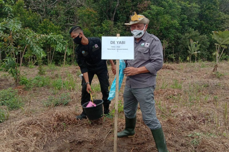 Direktur Yayasan Badak Indonesia Widodo S Ramono meninggal dunia