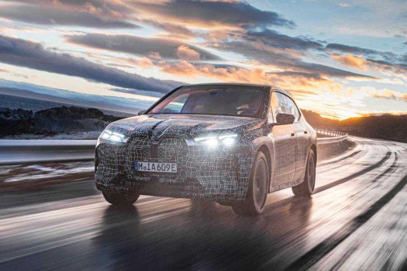 Mobil listrik BMW iX dirilis pada akhir 2021