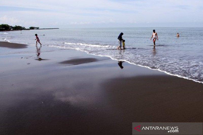 Wisata Pantai Tanjung Bayang Makassar tutup