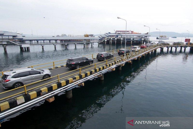 Arus penumpang di Pelabuhan Ketapang-Gilimanuk - ANTARA News
