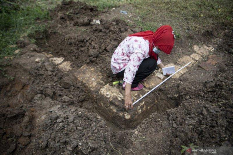 Temuan candi abad ke-12 di Palembang dicek arkeolog