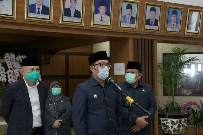 Gubernur bersama DPRD Jabar bahas Raperda Perkebunan di penghujung 2020