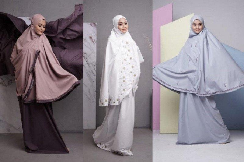 Tutup tahun 2020, mukena Siti Khadijah tawarkan potongan setengah harga
