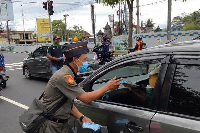 GP Ansor Kabupaten Magelang bagikan 27.000 masker kepada santri