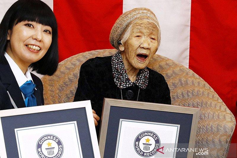 Perayaan ulang tahun orang tertua di dunia