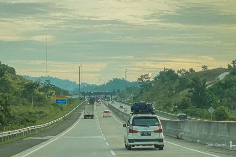 Selama libur akhir tahun, sejuta kendaraan lintasi tol Trans Sumatera