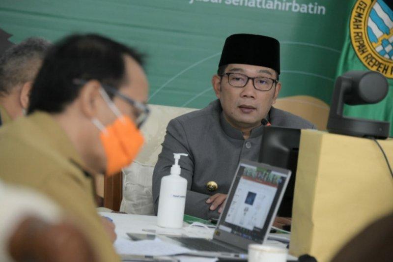 Gubernur Jabar catat 65 wisatawan diduga positif COVID-19