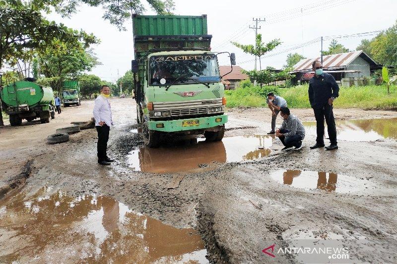 Pemprov Kalteng diminta tidak abaikan kerusakan jalan lingkar selatan Sampit