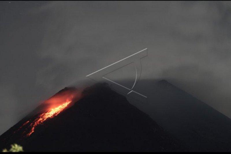 Gunung Merapi memasuki fase erupsi 2021