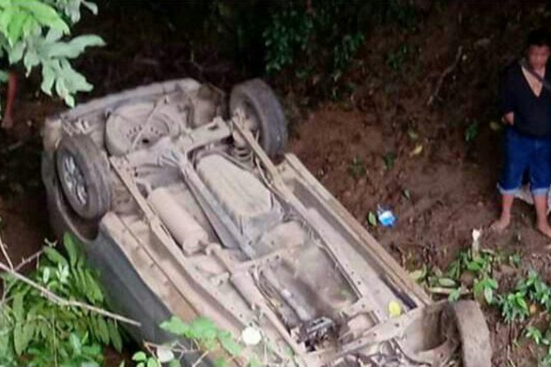 Kecelakaan tunggal, mobil terjun ke jurang Sade Lombok Tengah