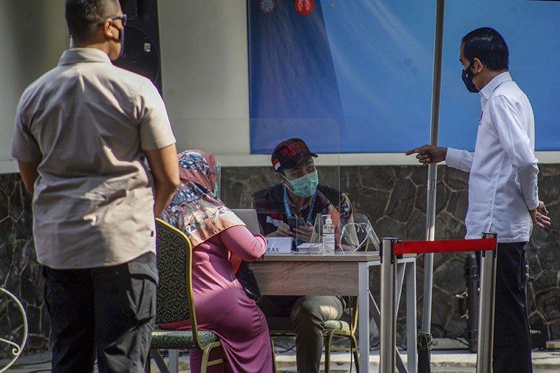 Presiden Jokowi : Hari vaksinasi COVID-19 perdana tunggu izin BPOM