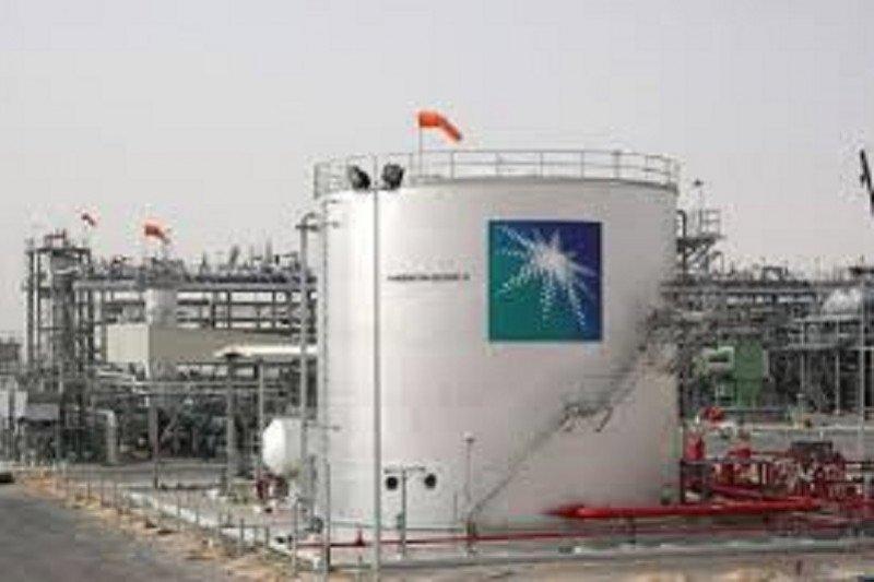 Harga minyak dunia jatuh terseret penguncian baru dan prospek permintaan