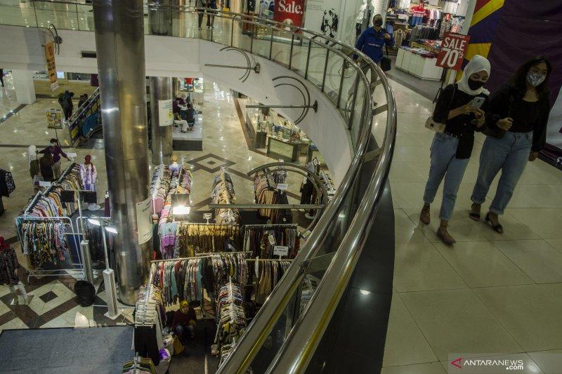Pusat perbelanjaan di Bandung mulai disiplin saat PSBB