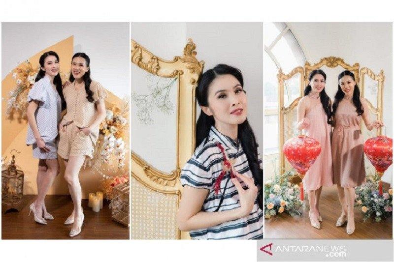 "Kolaborasi Sandra Dewi dan Cynthia Tan di koleksi busana ""Claire New Year"""
