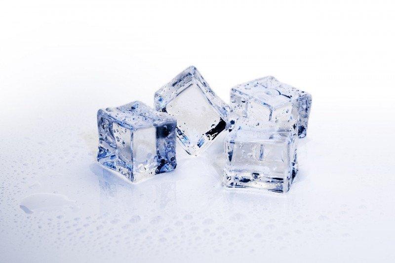 Kunyah es batu berdampak buruk untuk gigi, ini penjelasannya