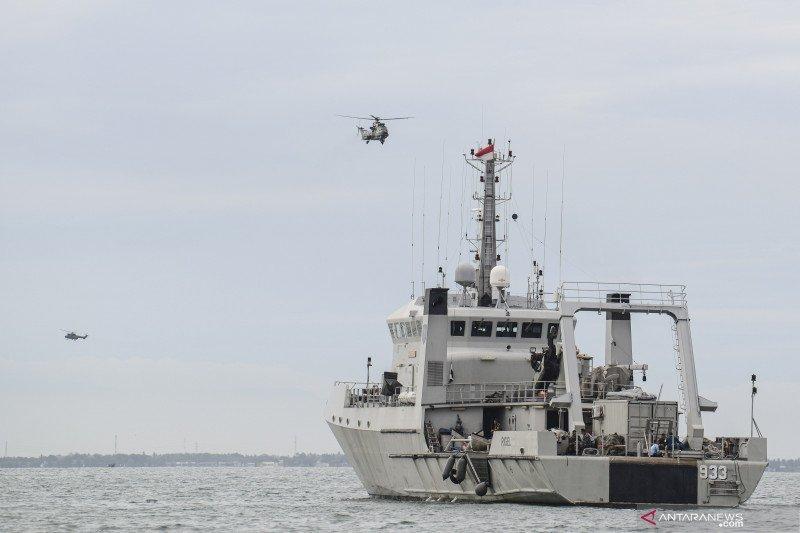TNI AL kerahkan 11 KRI guna evakuasi puing Sriwijaya Air di Kepulauan Seribu