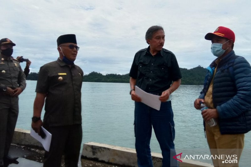 Pelabuhan Teluk Tapang Pasaman Barat sudah bisa digunakan trayek bongkar muat barang